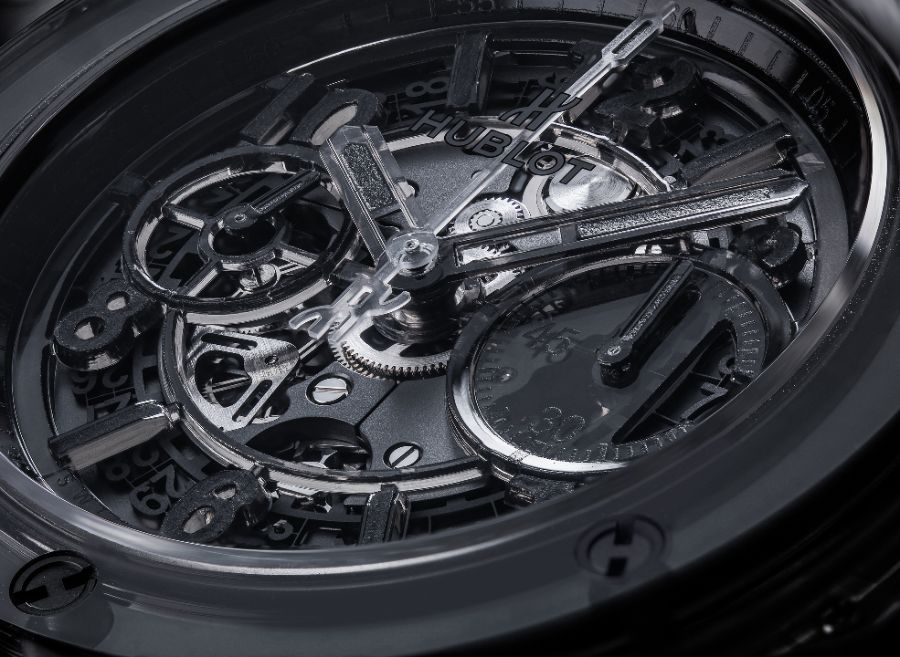 l_hublot-saphir-black-close-up-ok1b-modifier